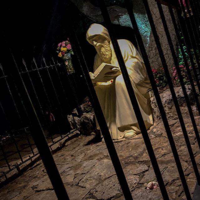 Saint Charbel... Pray for us! 🌹🙏🏻🌹......... lebanon ... (Annâya, Mont-Liban, Lebanon)