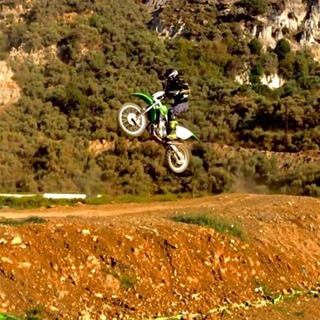 """After I hear """"shway shway ma tet7amass"""" .... motocross kawazaki ... (Kawasaki Motocross Academy - Lebanon)"""