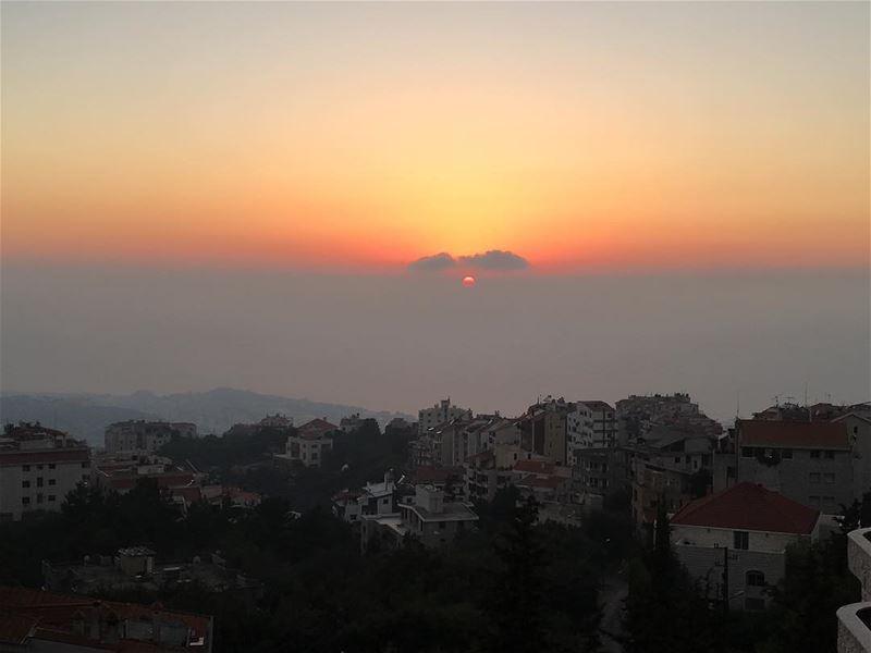 sunsets instagram mediterranean livelovelebanon mediterraneantaste ... (Ste Therese Shayle)