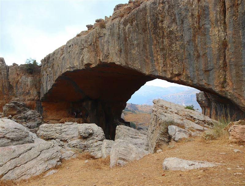 جسر الحجر الطبيعي 🔍 (Lebanon)