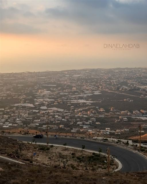 On va chercher quelque chose, et en cours de route, on ne se rappelle pas... (Al Minyah, Liban-Nord, Lebanon)