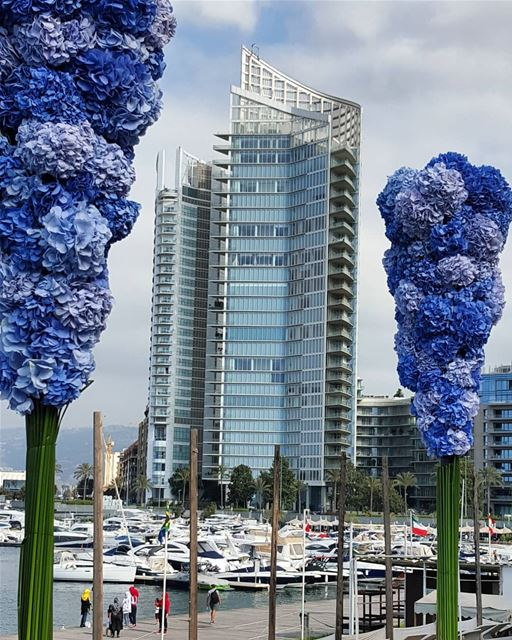 libanon beirut zaytounabay flowers marinatower beirutcity colors_of_day... (Zaitunay Bay)