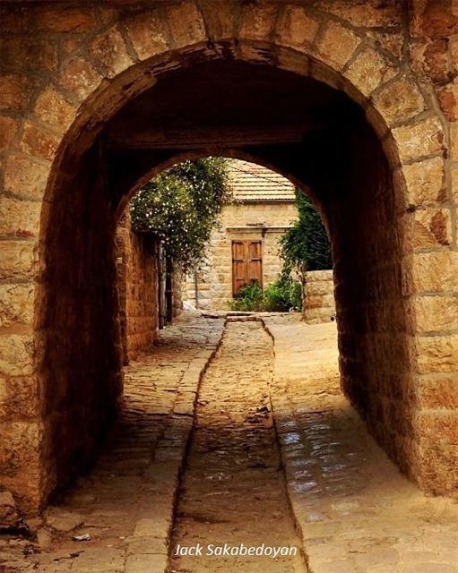 Deir el Qamar deirelqamar shouf chouff stonestreet stonehouse ...