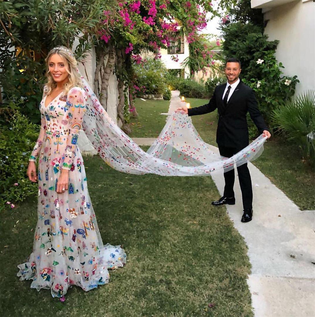Wonderland bride in @ramikadi dress 🌈✨🦄⠀⠀⠀⠀⠀⠀⠀⠀⠀⠀⠀⠀Repost ... (Turkey)