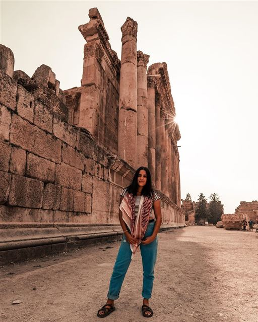 Postcards from baalbeck 🇱🇧☀️📍 temple of bacchus, god of wine 🍷-📷 @ (Baalbek, Lebanon)