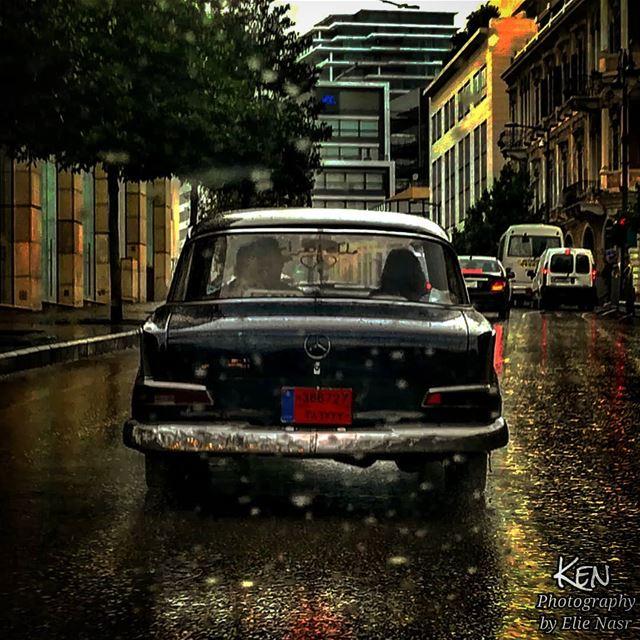 ...الأحد من عشيي عجقة بنص السوقفجأة بتمرق هيي وانا وحدي عم سوقوبتتطلّع ف (Downtown Beirut)