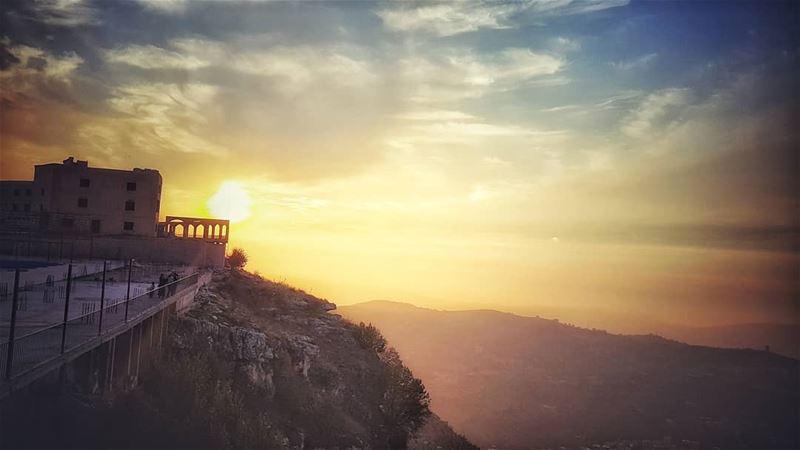 mysunsetsky liveloveakkar adventures ..... meetlebanon ... (Sir Ad Dinniyah, Liban-Nord, Lebanon)