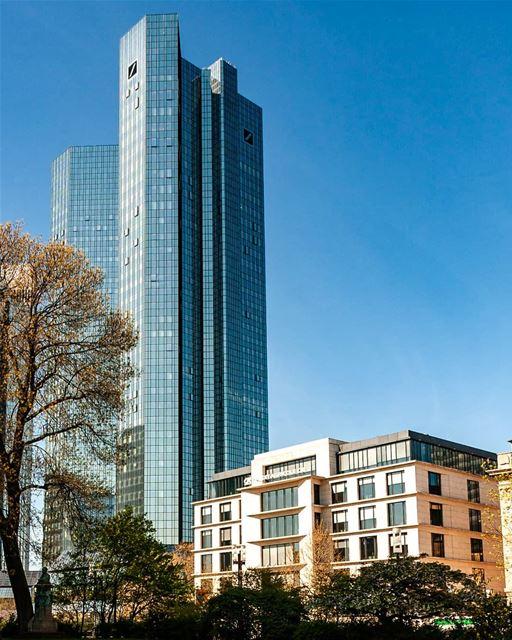Deutsche Bank frankfurt........................................ (Deutsche bank Frankfurt)
