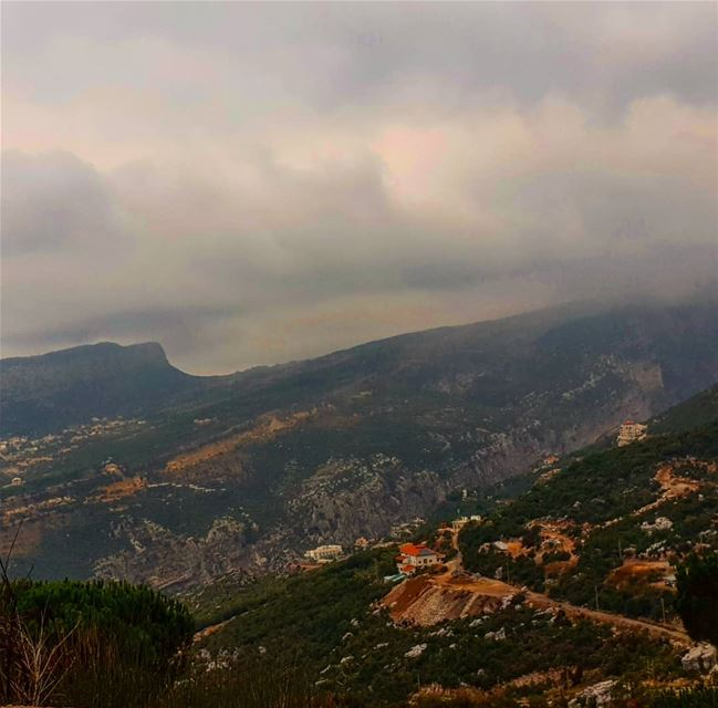 mybeautifullebanon  mountains  village  cloudyday ... (Douma, Liban-Nord, Lebanon)