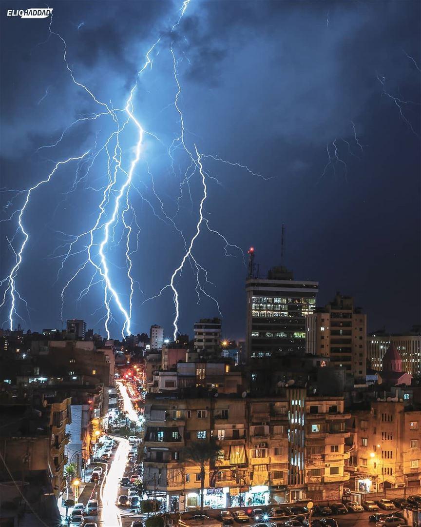 Lebanon Beirut Weather Thunderstorm 🌩️🇱🇧 LiveLoveLebanon ...