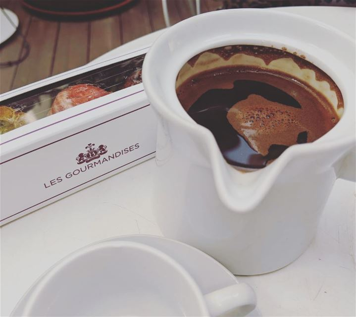 Weekend goal 💁🏽☕️😎.... ramramcoffee turkishcoffee kahve ... (Le Bristol Hotel Beirut)