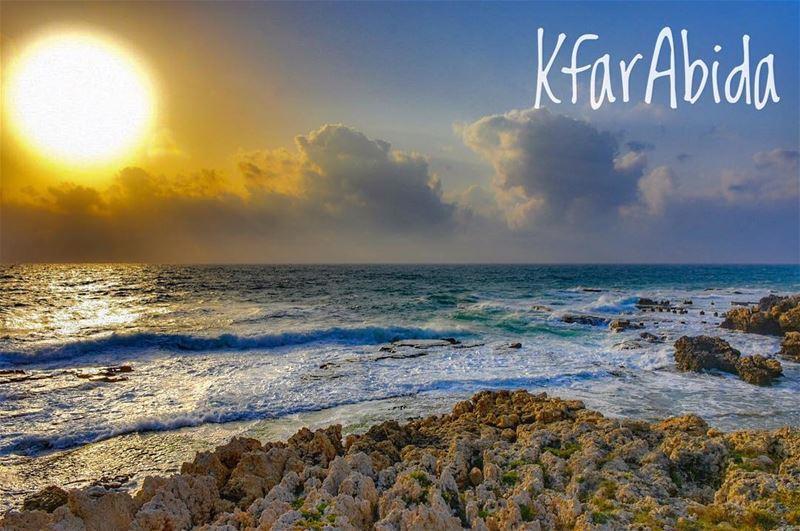 il mare è come la musica: contiene e suscita tutti i sogni dell'anima...... (Kfar Abida)