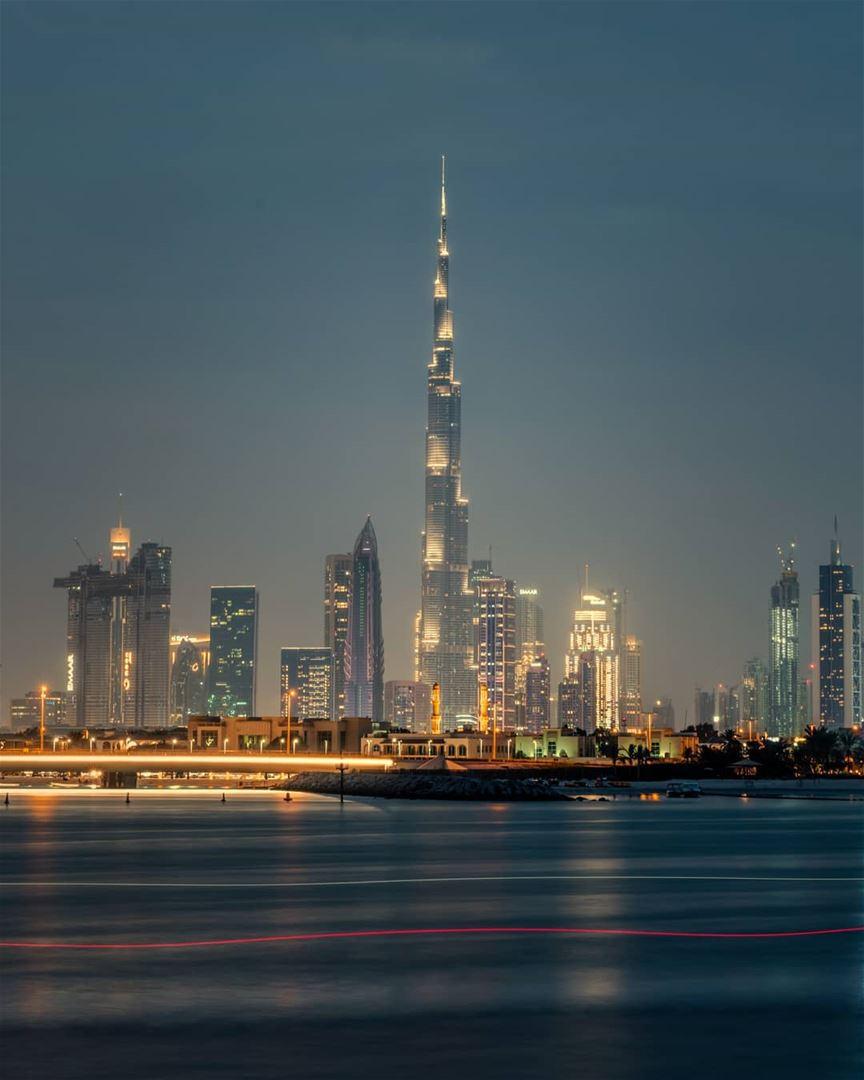 The city of Glow..... dubai mydubai picsdubai dubaimall dubaipics... (Dubai, United Arab Emirates)