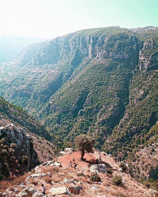 Alguns lugares são mágicos, mas poucos são como o Vale Santo (Kadisha... (Kadisha Valley)