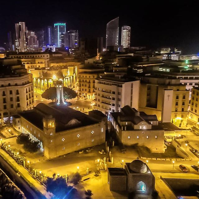 Warm October nights 🇱🇧🌆🇱🇧....... lebanon livelovebeirut ... (Beirut, Lebanon)