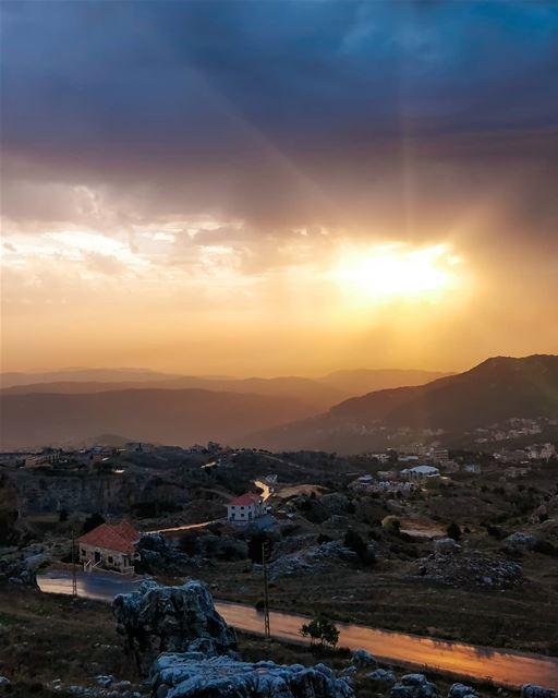 Zaarour Lebanon 🇱🇧 @oneplus.photography @oneplus 📸 Sunset Sky ...