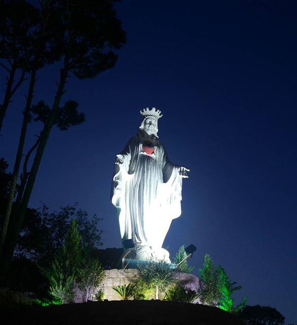 Our Lady of Fatima Pray for us 🙏 virginmary mother Qween prayforus ... (El Qsaïbé, Mont-Liban, Lebanon)