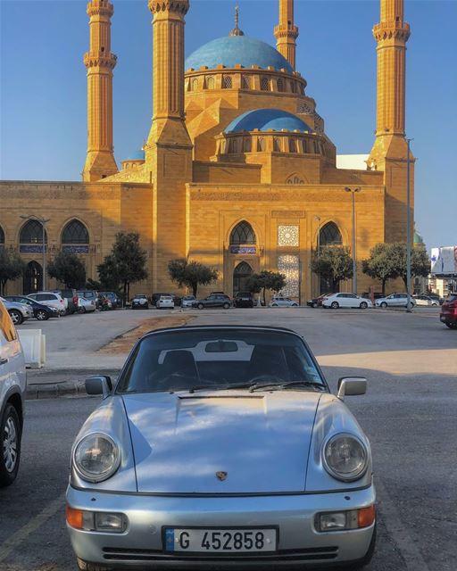 You cant not love this• beirut lebanon porsche mosque porsche911 ... (Centre-ville de Beyrouth)