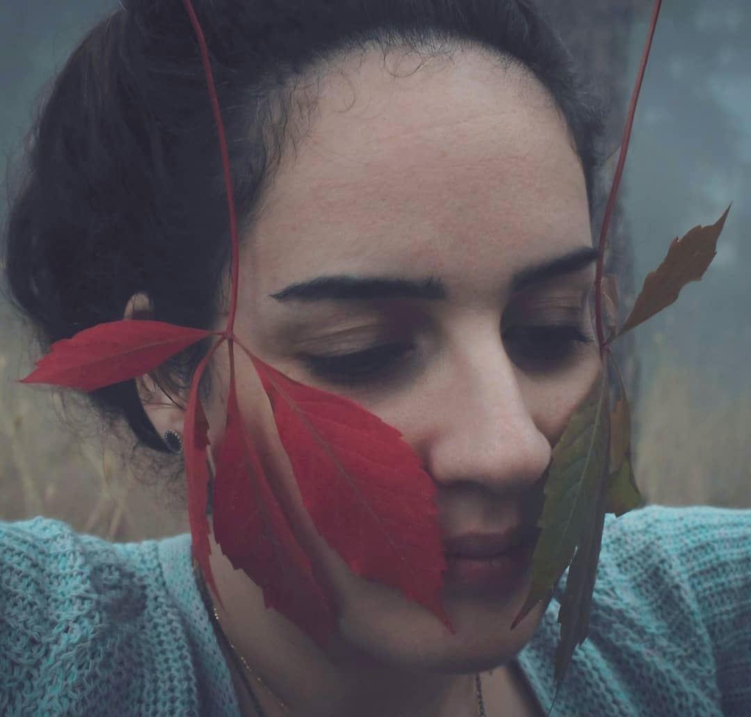 وجك بيذكر بالخريف 🍁.... portrait portraitphotography nature ...