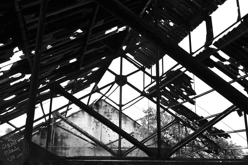 🇱🇧 The old train station roof.Ugly Beirut in... (Tripoli Train Station Terminal)
