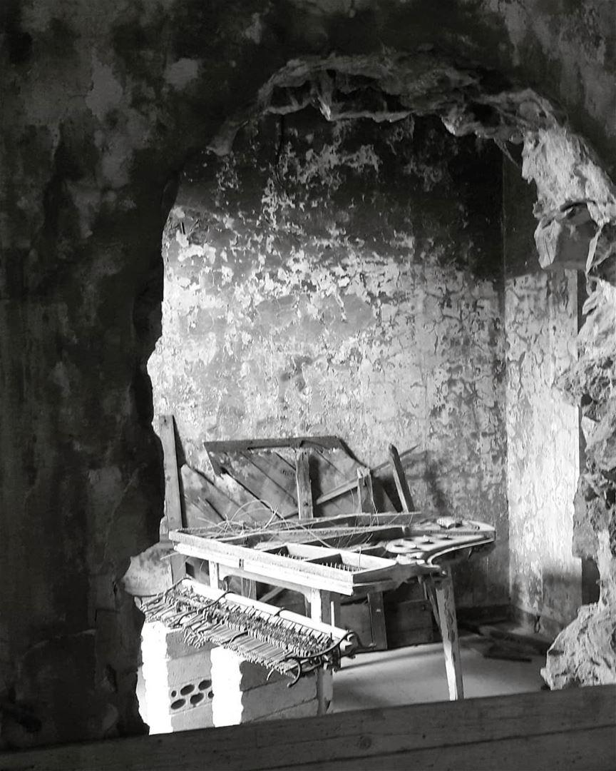 The day the music died! piano photography tourism touristinlebanon ... (Sawfar, Mont-Liban, Lebanon)
