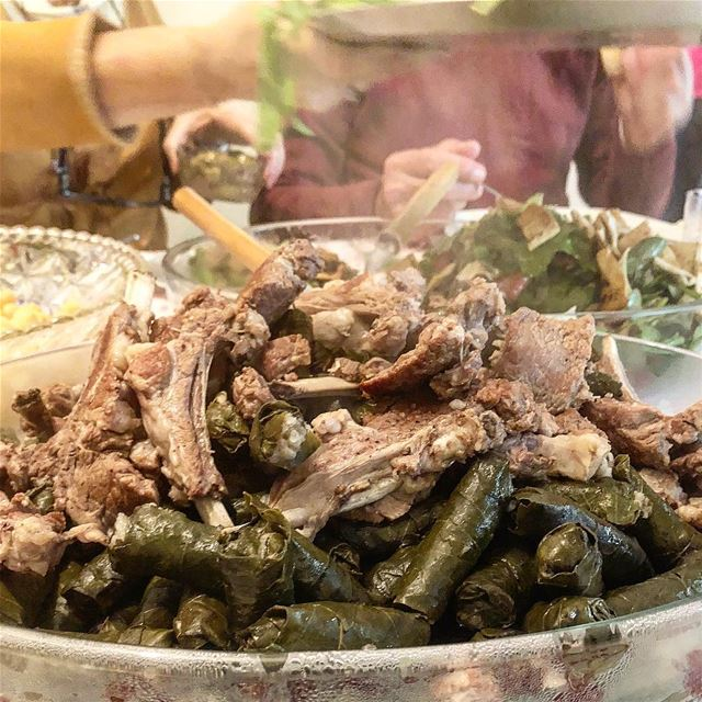 When you're hungry at the office and thinking about last Sunday's lunch::: (Mount Lebanon Governorate)