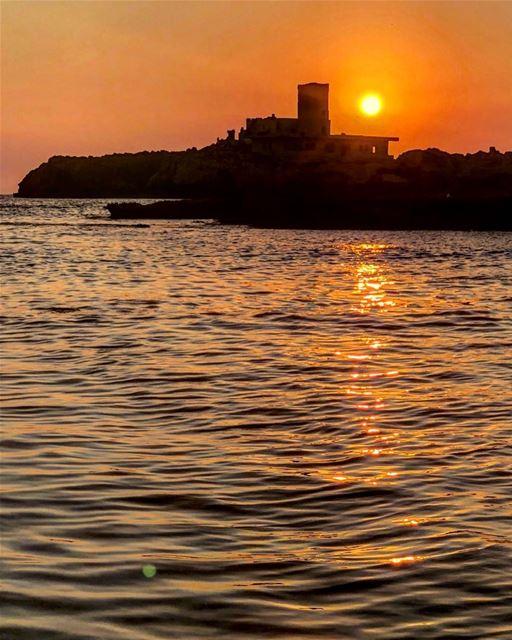 في_بلادي جزيرة الرمكين قبالة ساحل طرابلسlebanon North tripolie ... (Rabbit Island)