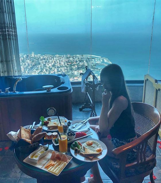 Breakfast is served 🍽 📷 @elise__abdallah  SuiteLife  BeautifulLebanon ... (Bay Lodge)