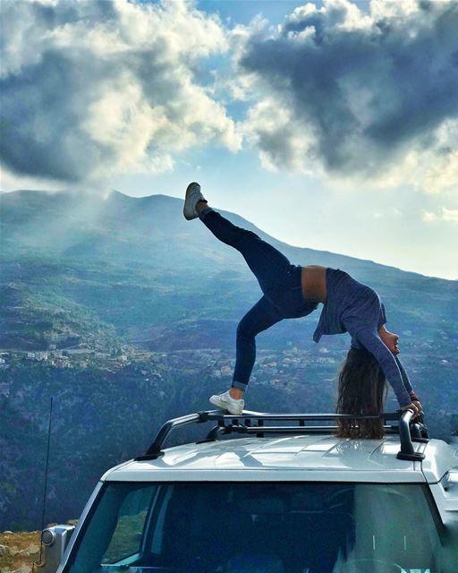 Sun shy🌤••••• MyLifeAMoi FJ FJCruiser cloud sun mountain car ... (Hadchît, Liban-Nord, Lebanon)