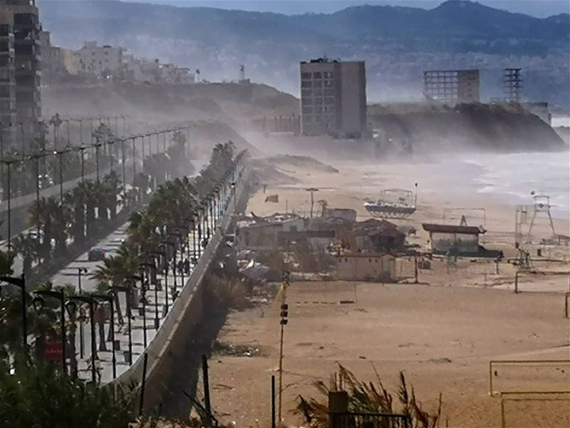 libanon friday master_shots instacool earth_shotz main_vision beirut... (Ramlet Al Bayda Public Beach)