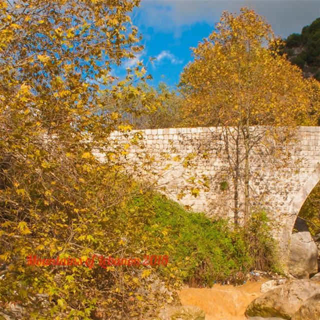 The ottoman period stone bridge at Wadi es Salib surrounded by the fall... (Wadi Salib Keserwan وادي الصليب كسروان)