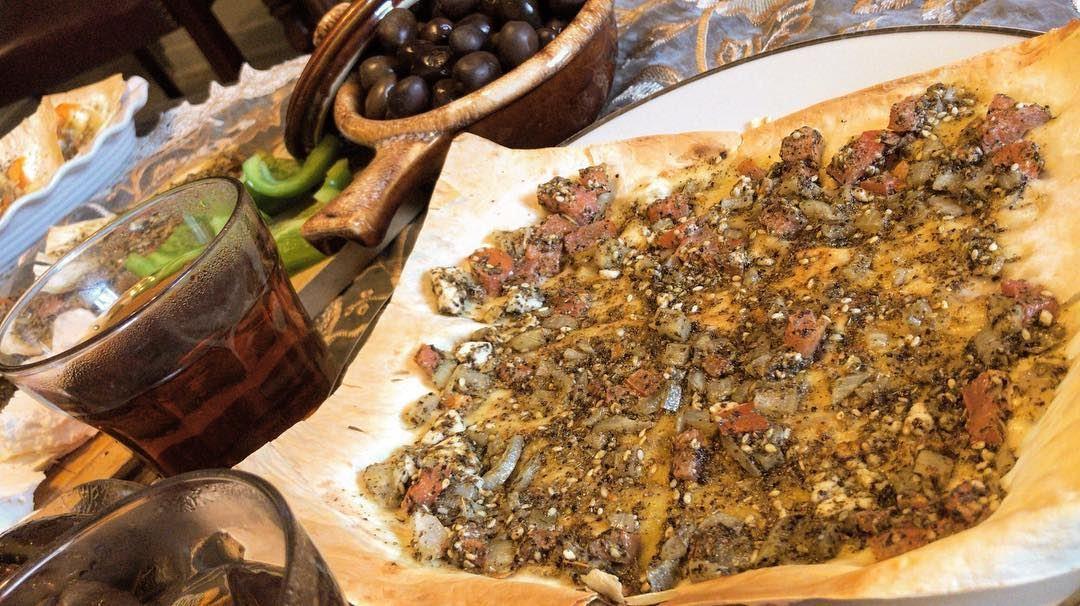 👍🏻:Pita Bread ..✌🏼: Fetta Cheese , tomatoes , zaatar , onion , olive... (Montreal, Quebec)