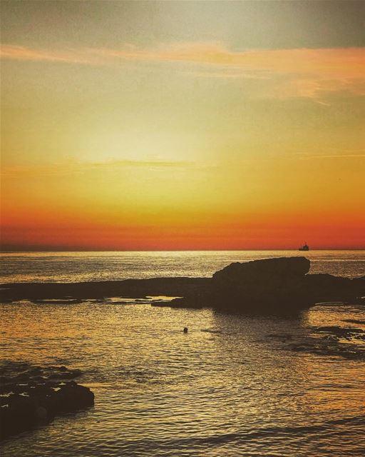 Sunset time 😍 lebanon batroun bahsa raysbatroun sunset sunsets ... (RAY's Batroun)