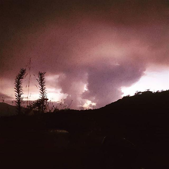 Natural nuclear cloud akoura liveloveakoura livelovebeirut... (Akoura, Mont-Liban, Lebanon)