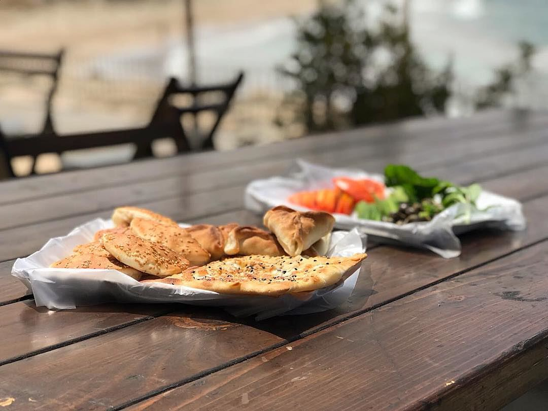 Before the storm is back!! Breakfast by the seaside.. Have a great day... (Saida Water Front)