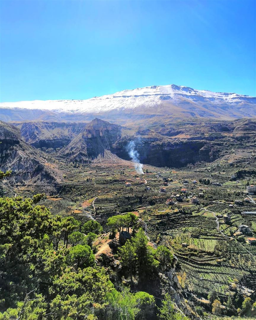 A view well earned. I could stare at these landscapes over a million... (Becharri, Liban-Nord, Lebanon)