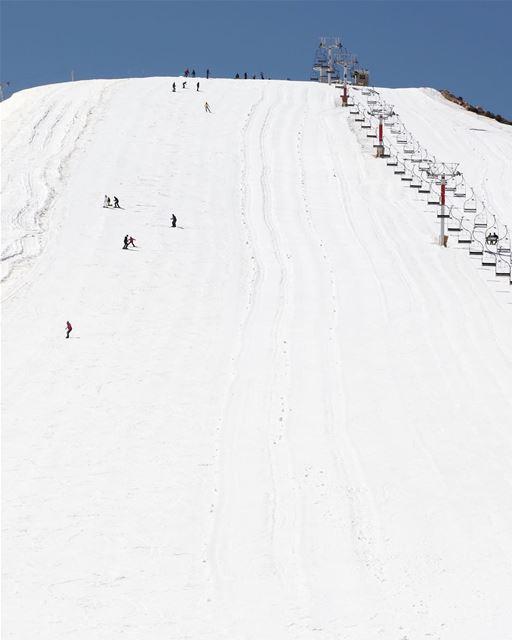 Estão preparados para o inverno no Líbano? 🇱🇧 Are you ready for winter... (Kfardebian, Mont-Liban, Lebanon)