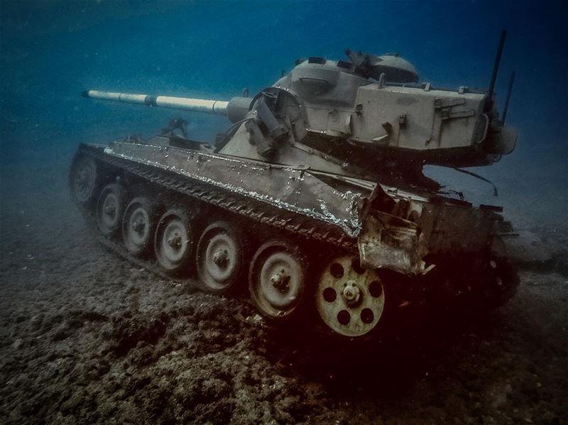 sidon saida lebanon🇱🇧 tank lebanesearmy tankunderwater ... (Sidon, Lebanon)
