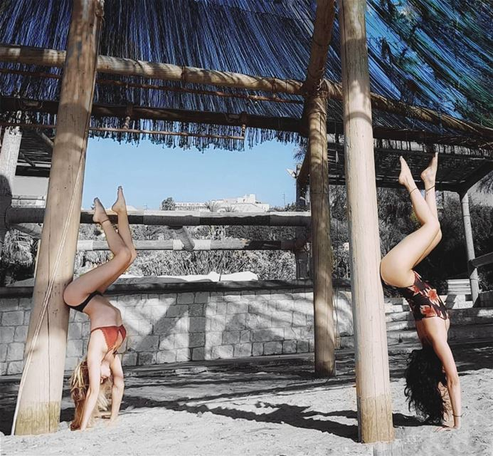 •Poliniis•.. poliniis poledancer double doubletrouble handstand ...