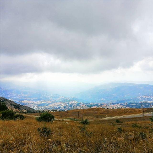 ما بدّا إلّا تشتي.. 💙غود مورنينغ🙋♂️... (Falougha, Mont-Liban, Lebanon)
