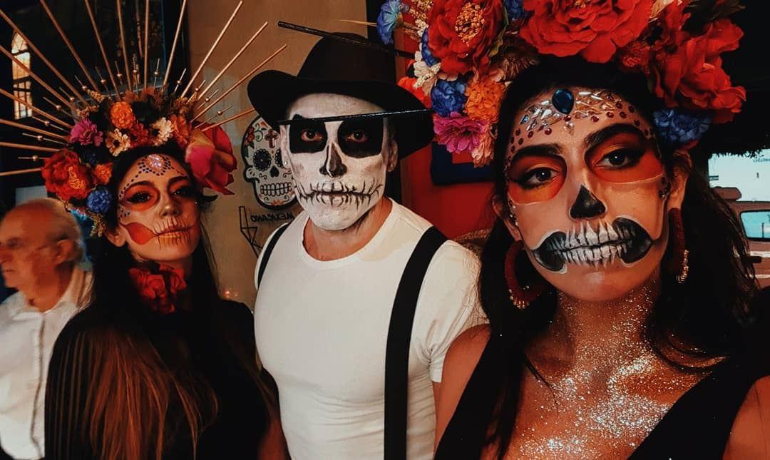 Todos somos calaveras 💀 diadelosmuertos....... makeup mexico ... (El mexicano LB)