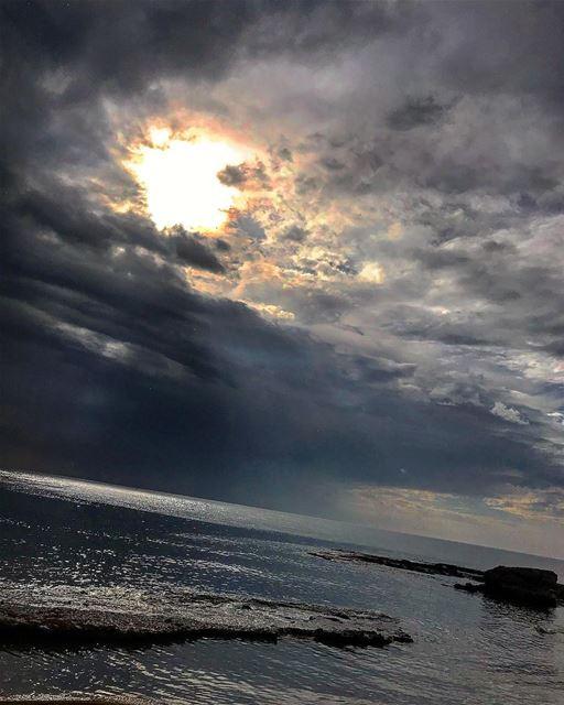 A cloudy day 😍 lebanon batroun bahsa raysbatroun clouds cloudyday ... (RAY's Batroun)