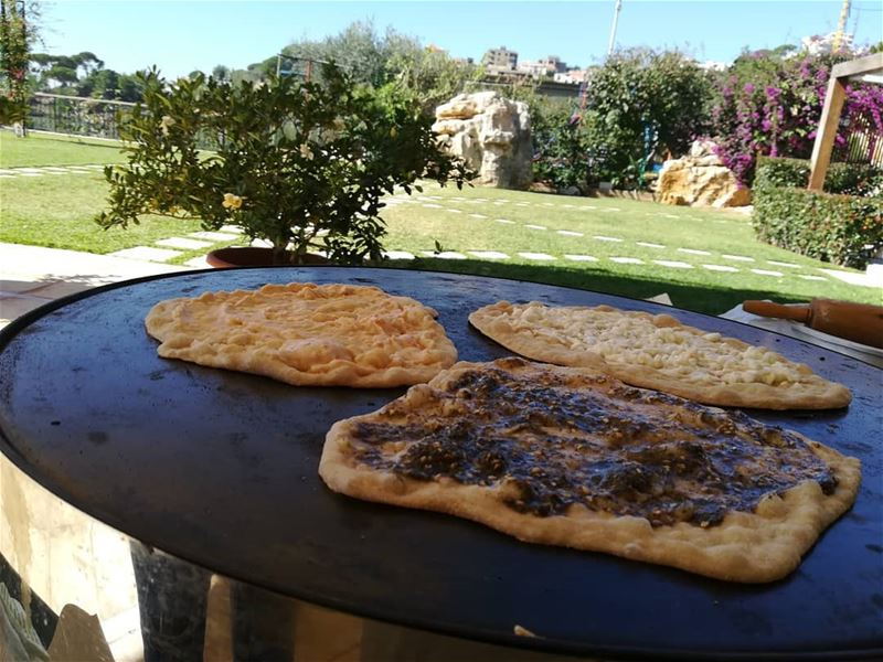 breakfast lebanon friends mankouche man2ouche zaatar cheese ...