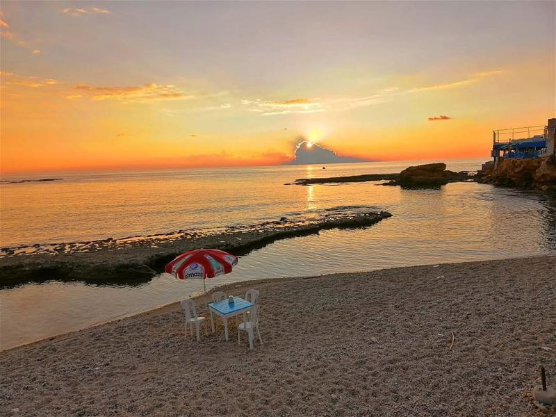 Sunset time at RAY's 😍 lebanon  batroun  bahsa  raysbatroun  sunset ... (RAY's Batroun)