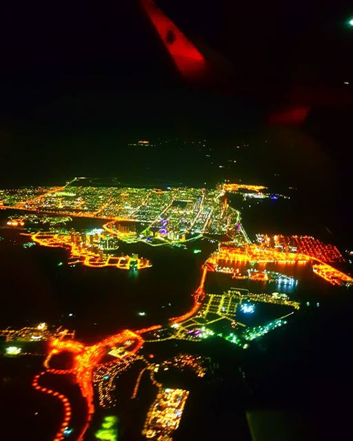 mea middleeastairlines abudhabi abudhabicity uae night lights myabudhabi...