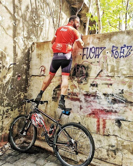 Caption this... 😂😂 livelovelebanon lebanon marmkhayelstreet ... (Mar Mkhayel)