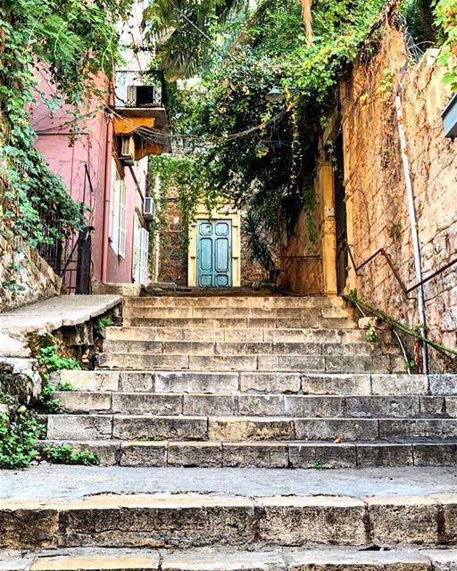gemayze beyrouth beirut lebanon livelovelebanon ... (Gemayzee)