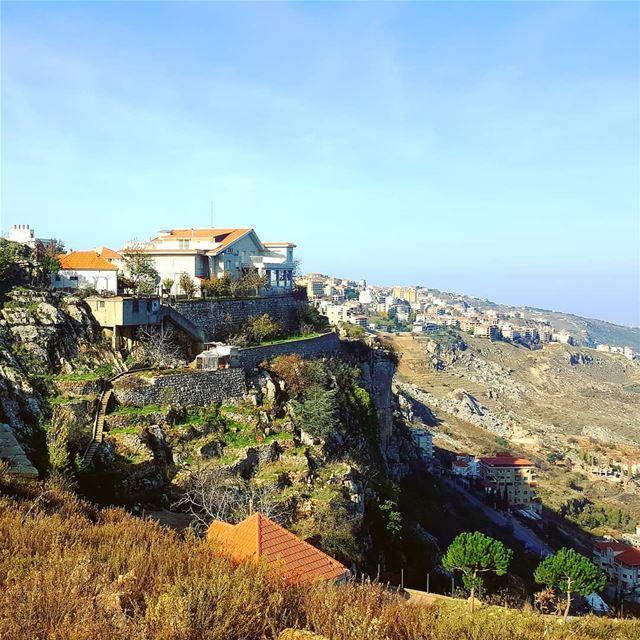lebanon🇱🇧 lebanoninapicture lebanesehouses lebanonnature... (Bhamdoûn, Mont-Liban, Lebanon)
