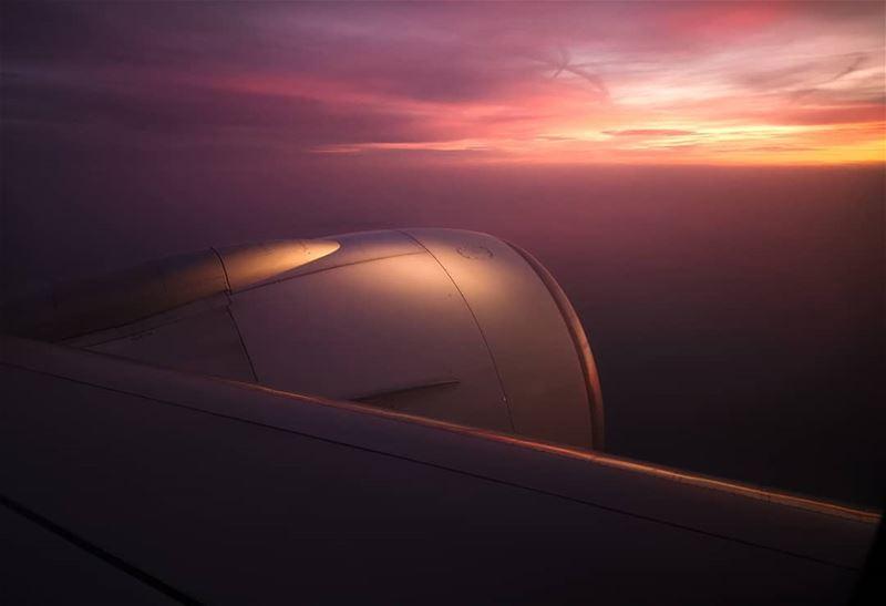 Dubai Sky.... dubai mydubai picsdubai dubaimall dubaipics ... (Dubai, United Arab Emirates)