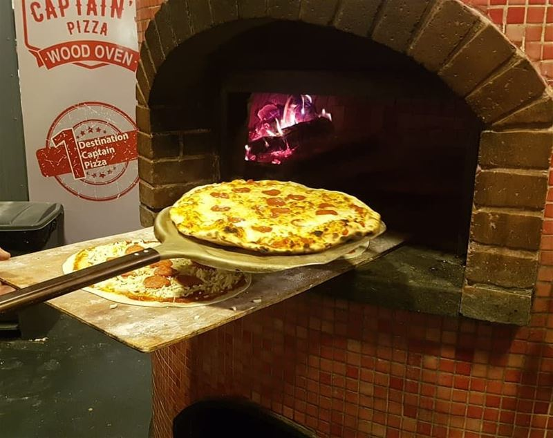 batroun البترون_سفرة @captains.pizza pizza wood_oven restaurant ... (Batroûn)